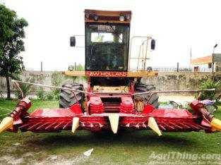 New Holland 1905 with Kemper 4500